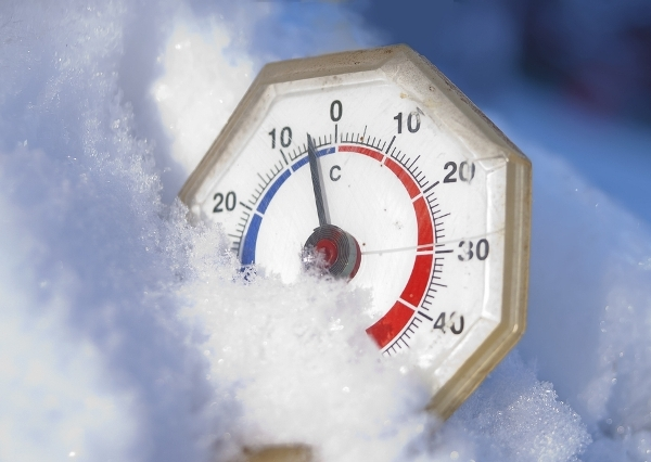 thermometer-cold-temperature-chilly-freezing-ice-snow-winter_36356
