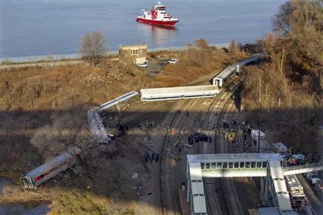 2013-12-01 Bronx Metro-North train derailment_115953