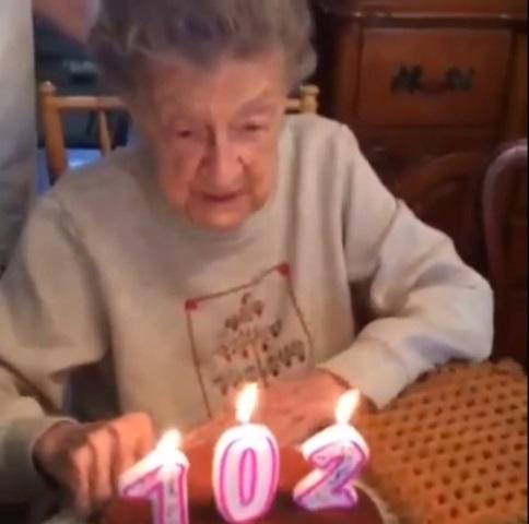 2015-05-15 102-year-old birthday_116052