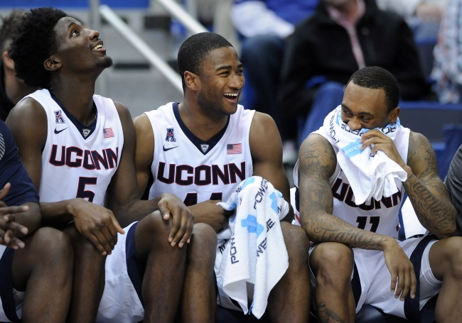 UConn men bench_121747