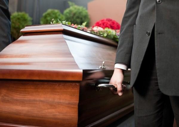 funeral casket coffin_142400
