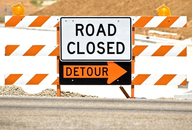 detour road closed_87620