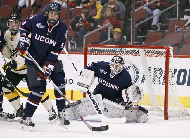 UConn hockey_302590