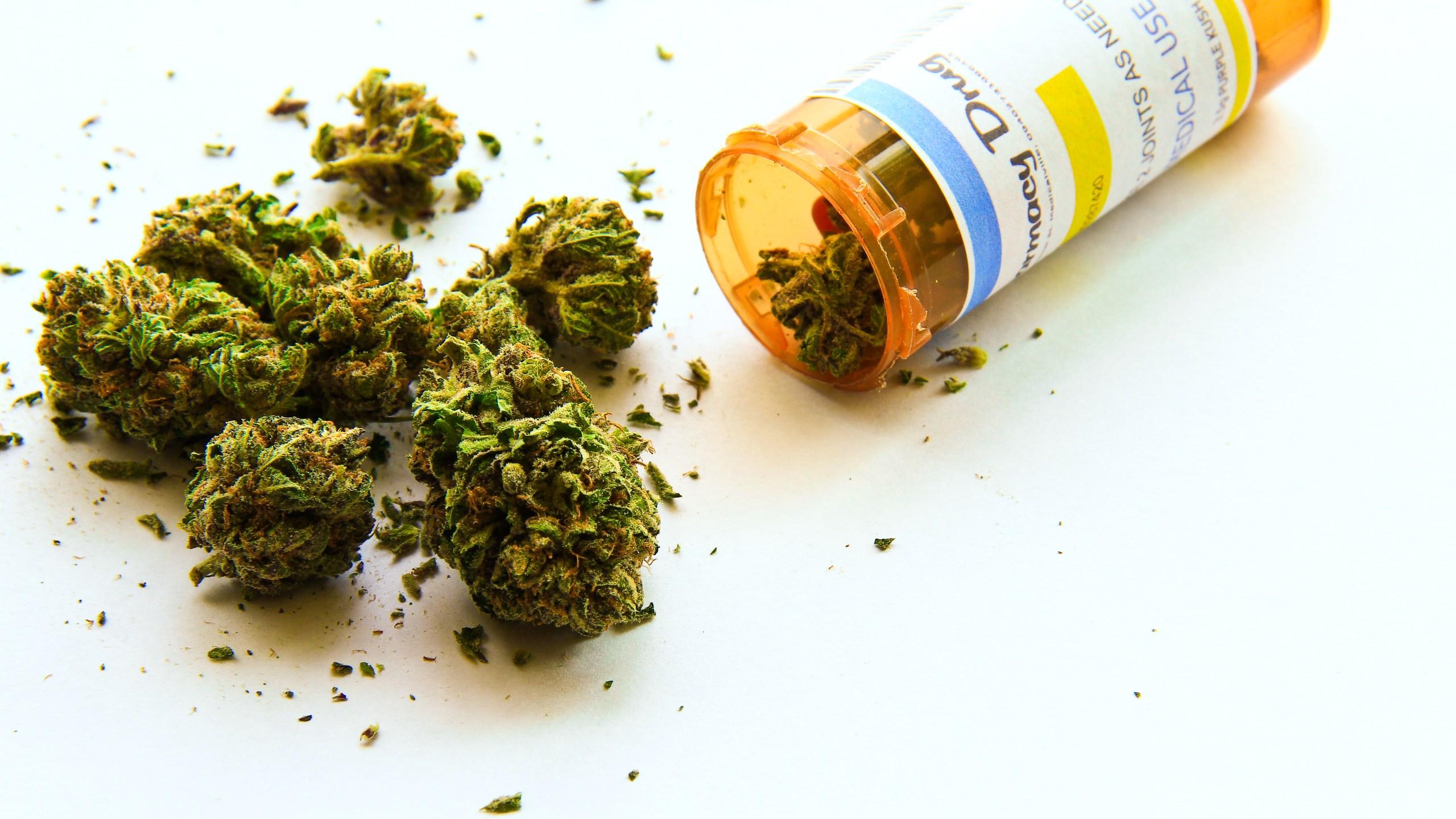 MedicalMarijuanaShutterstock1_327292