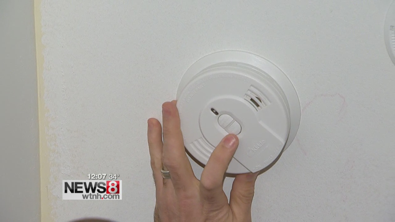American Red Cross in CT hands out free smoke alarms