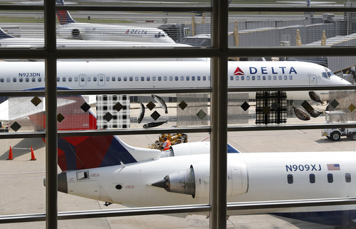 Delta-Passengers Booted_445804