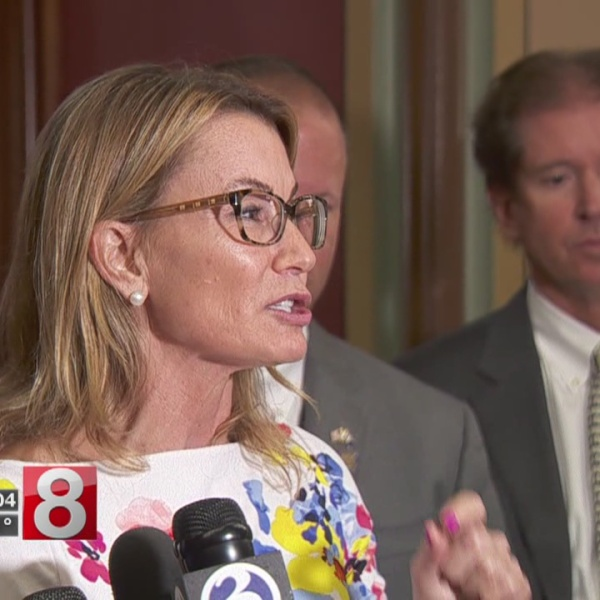 Lawmakers at State Capitol hoping to make budget deal
