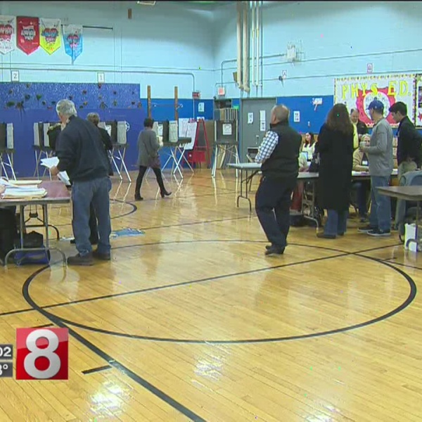 Thousands vote in Connecticut's municipal elections Tuesday