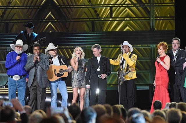 2016-CMA-Awards-Getty_560119