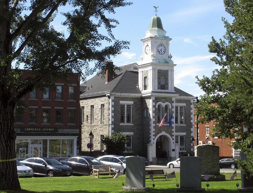 Litchfield green clock tower_557303