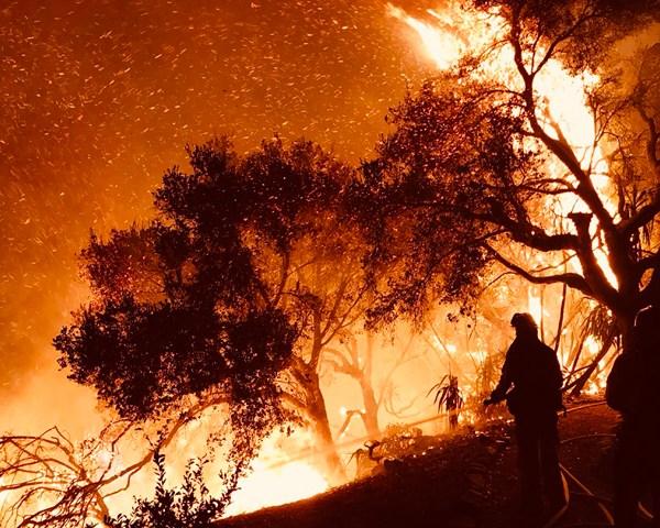 2017-12-11-California-Wildfires-AP_579988