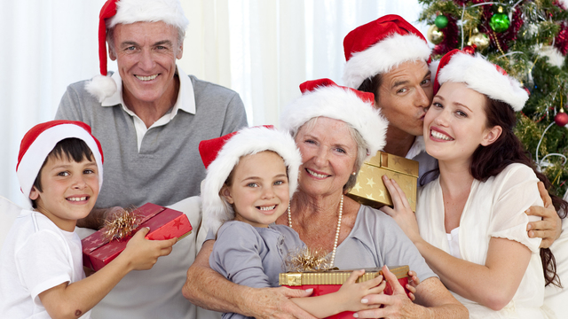 christmas-family-grandparents-children-presents-holidays_1513118073919_323021_ver1-0_30202802_ver1-0_640_360_582063