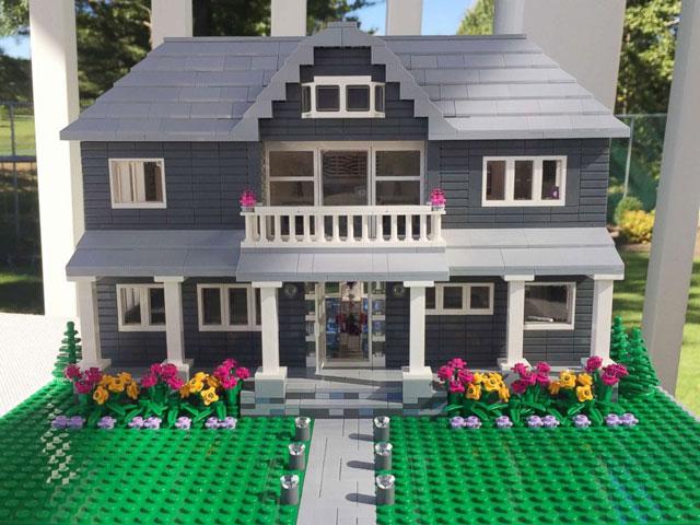 2018-01-29-Shari-Austrian-Lego-Houses-3_609813