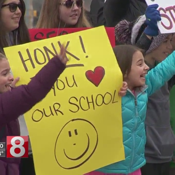 parents students rally to save naugatuck catholic school_619062