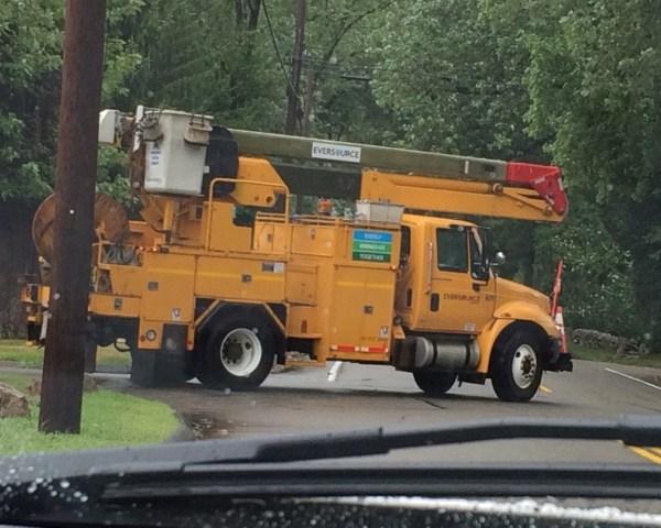 2015-08-11 eversource truck_154474