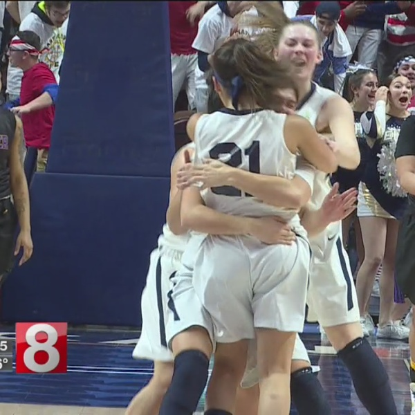 East Haven girls basketball title_643925