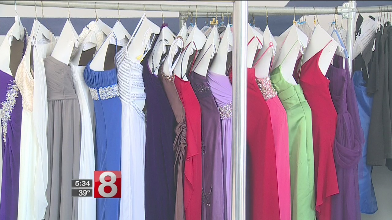 Organization works to outfit girls with free prom dresses