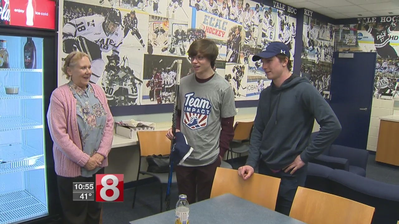 Yale hockey holds special ceremony for Milford teen