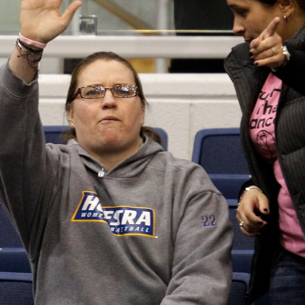 Delaware Hofstra Basketball_1526169266458