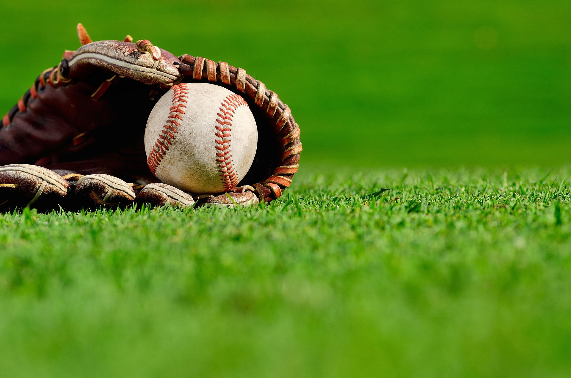 baseball glove ball generic.jpg