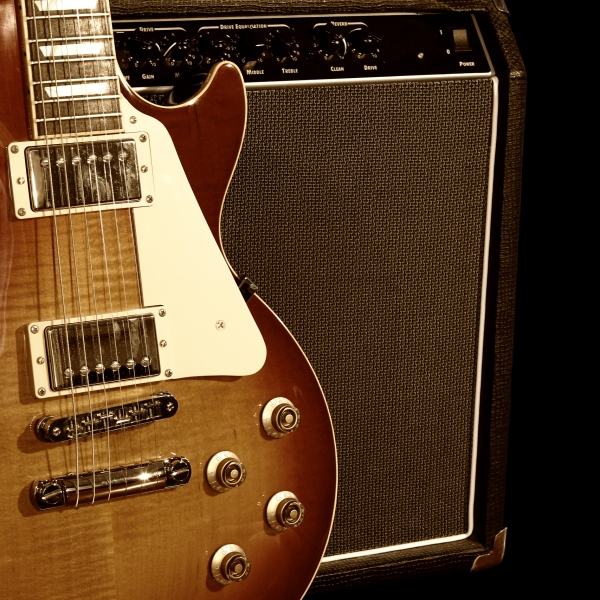 Gibson Les Paul Guitar with Amplifier Generic