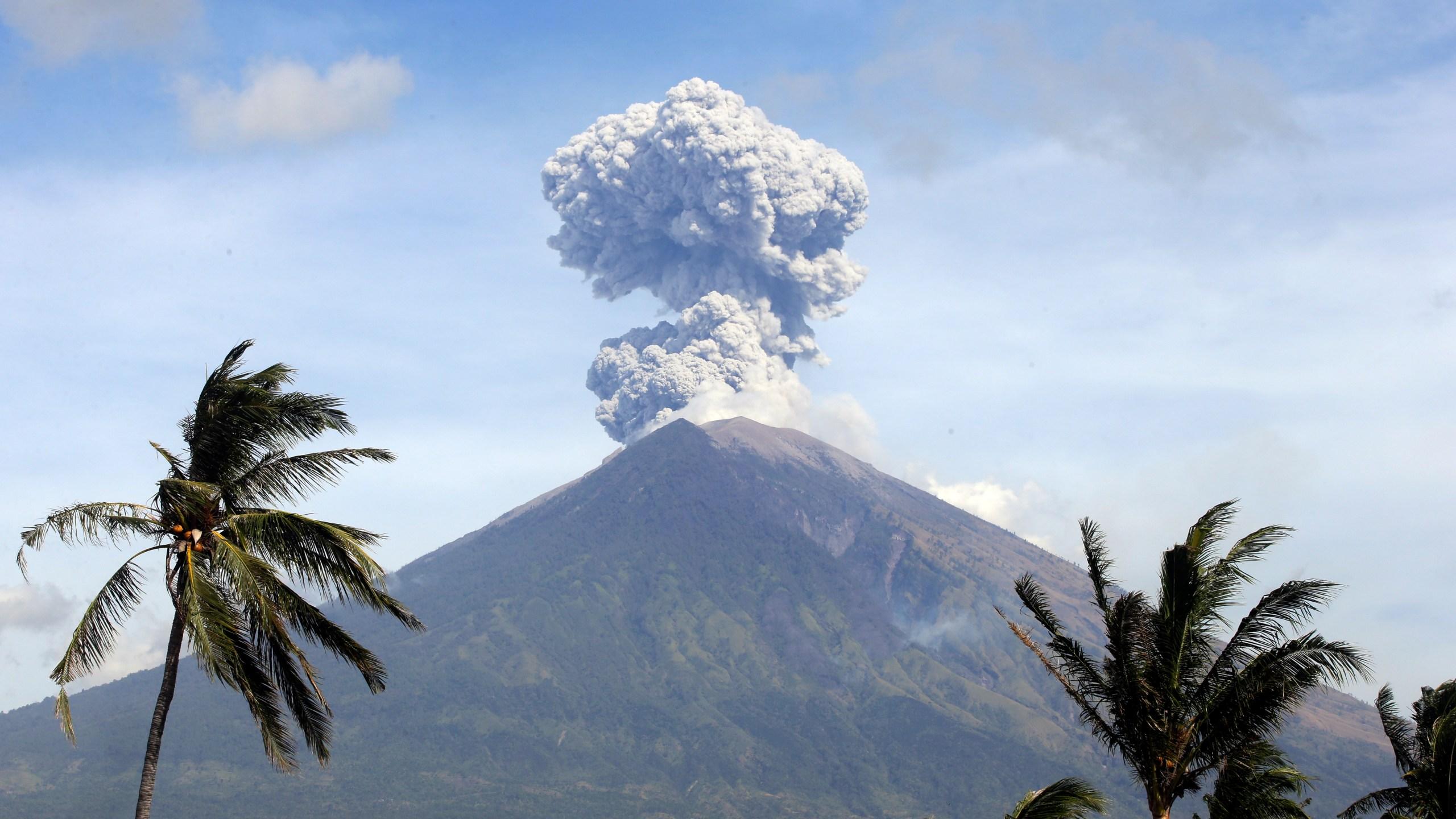 Indonesia Bali Volcano_1530593629878