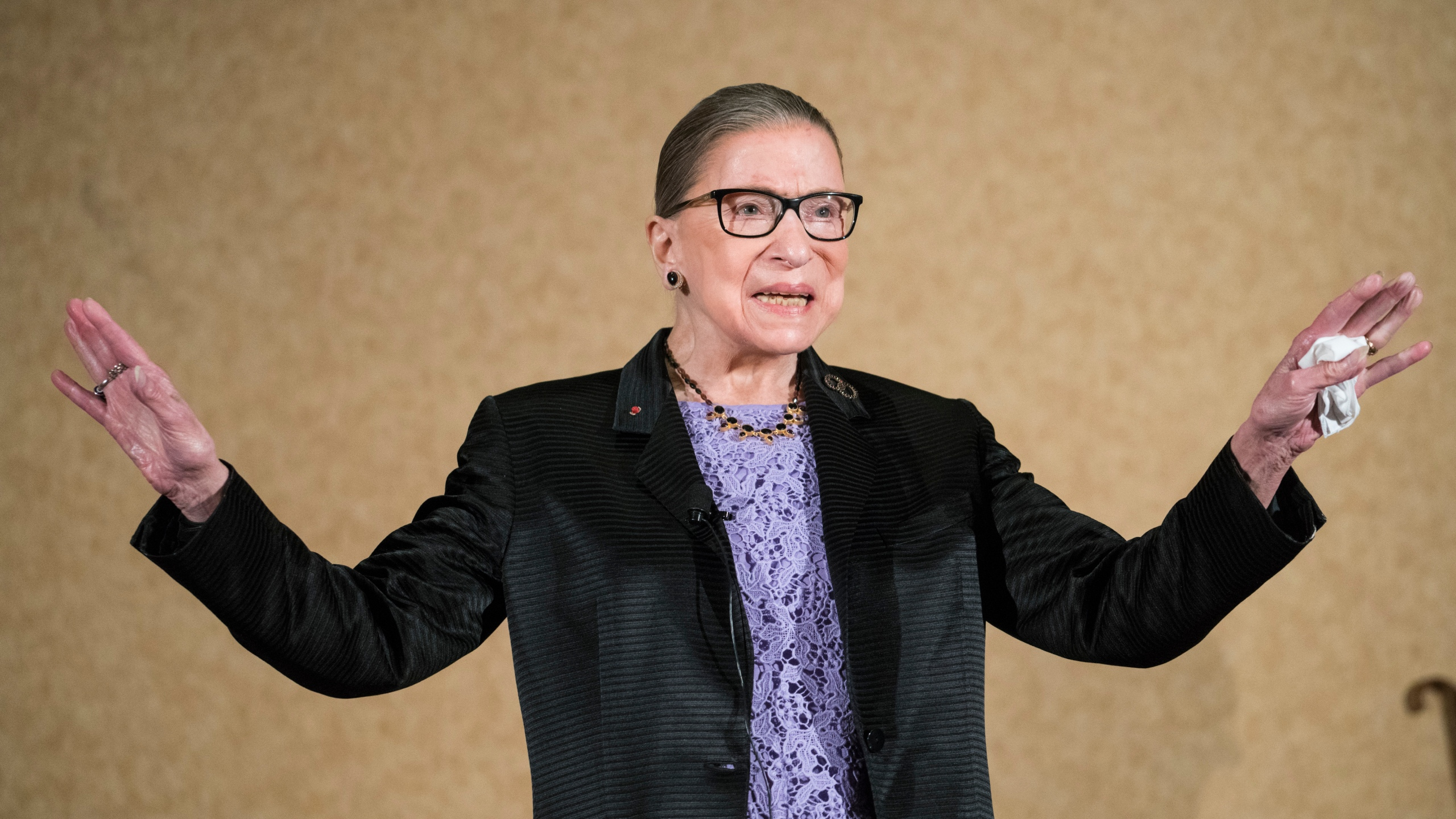 Supreme_Court_Justice_Ginsburg_Staying_Put_79146-159532.jpg75227221