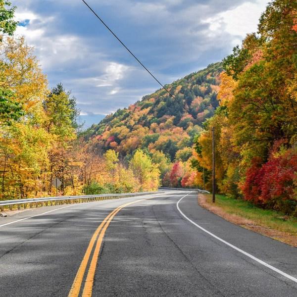 Connecticut Landscape Fall Drive Beautiful Fall Foliage Scenery_1534624723929