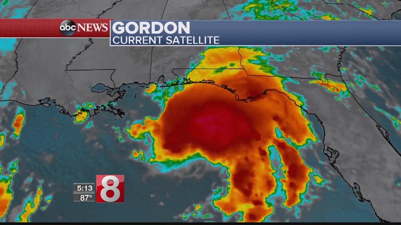 Gordon aims to hit Gulf Coast as hurricane after nightfall