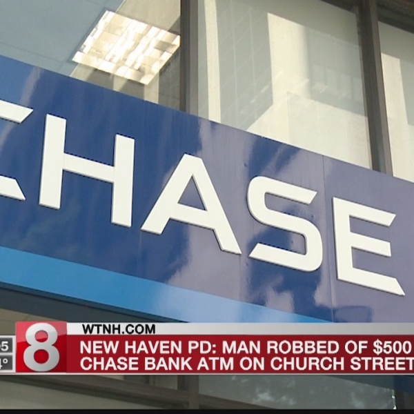 Man_robbed_while_using_New_Haven_ATM_0_20180904223239