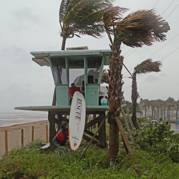 Tropical_Weather_93114-159532.jpg41046946