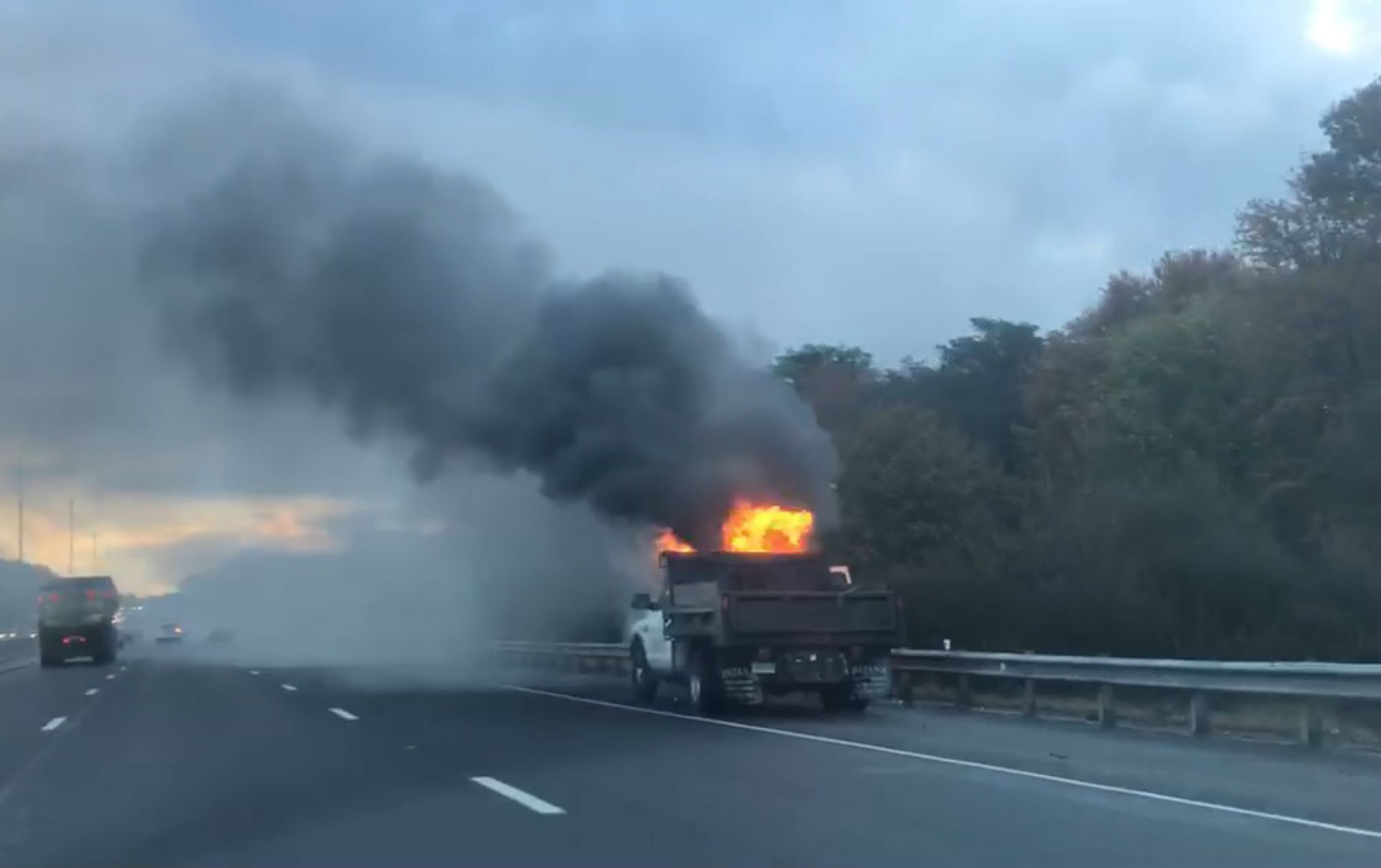 Truck fire closes part of I-95 north in Branford