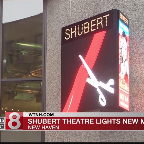 Digital_marquee_unveiled_at_Shubert_Thea_0_20181003025901