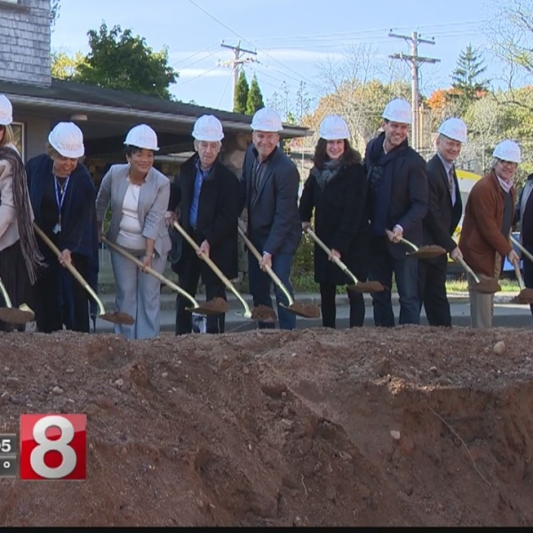 Harp attends groundbreaking for new apartment complex in New Haven