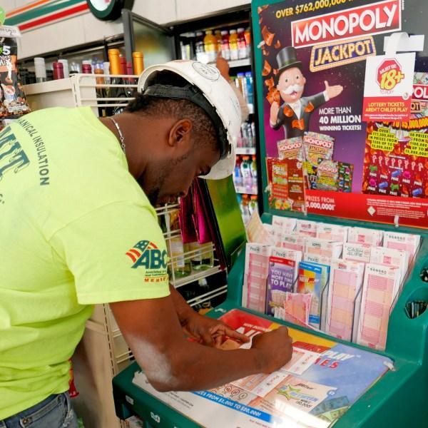 Lottery_Jackpot_Largest_US_Jackpots_79092-159532.jpg15796090