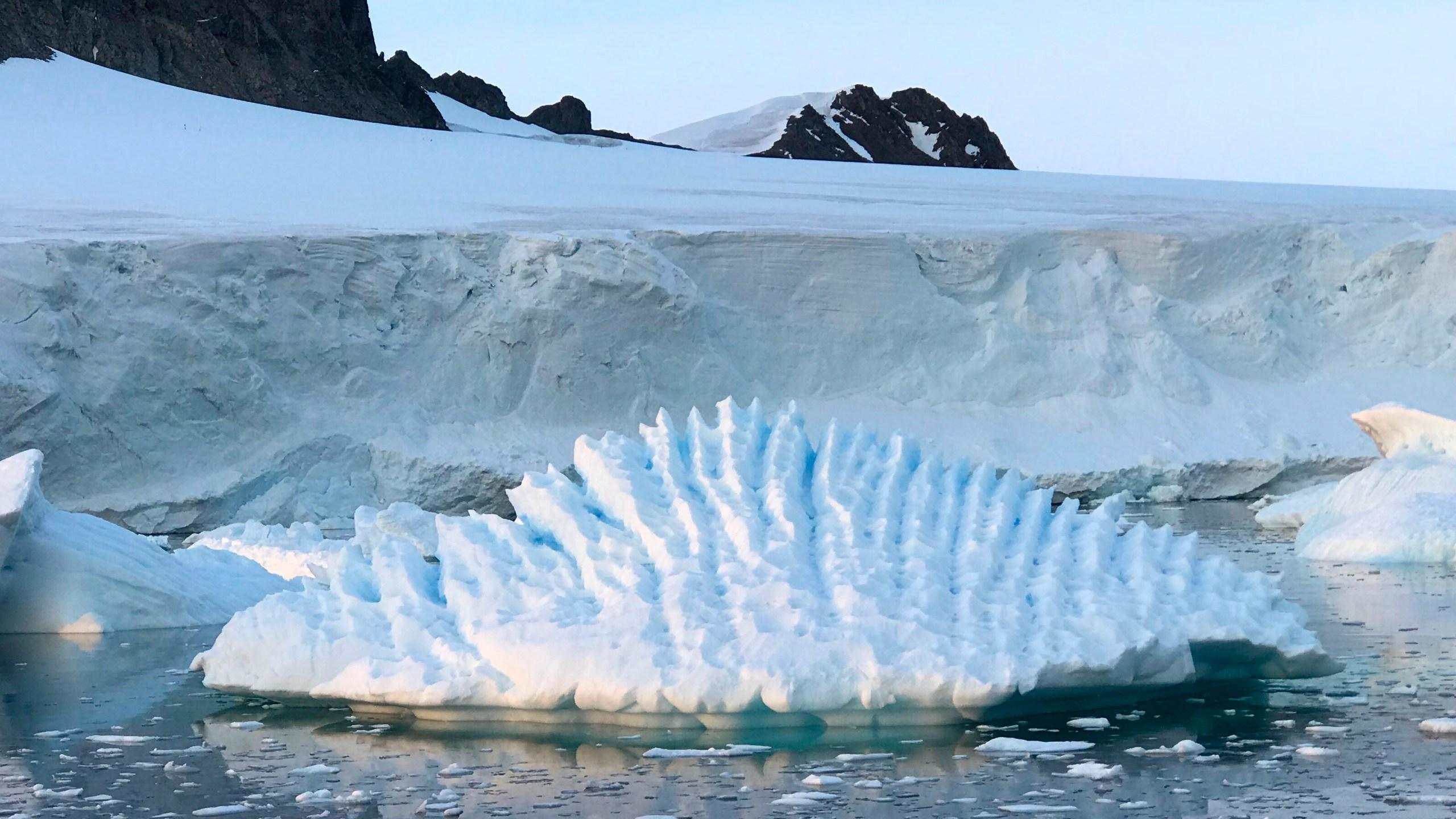 Melting_Antarctica_20373-159532.jpg46792451