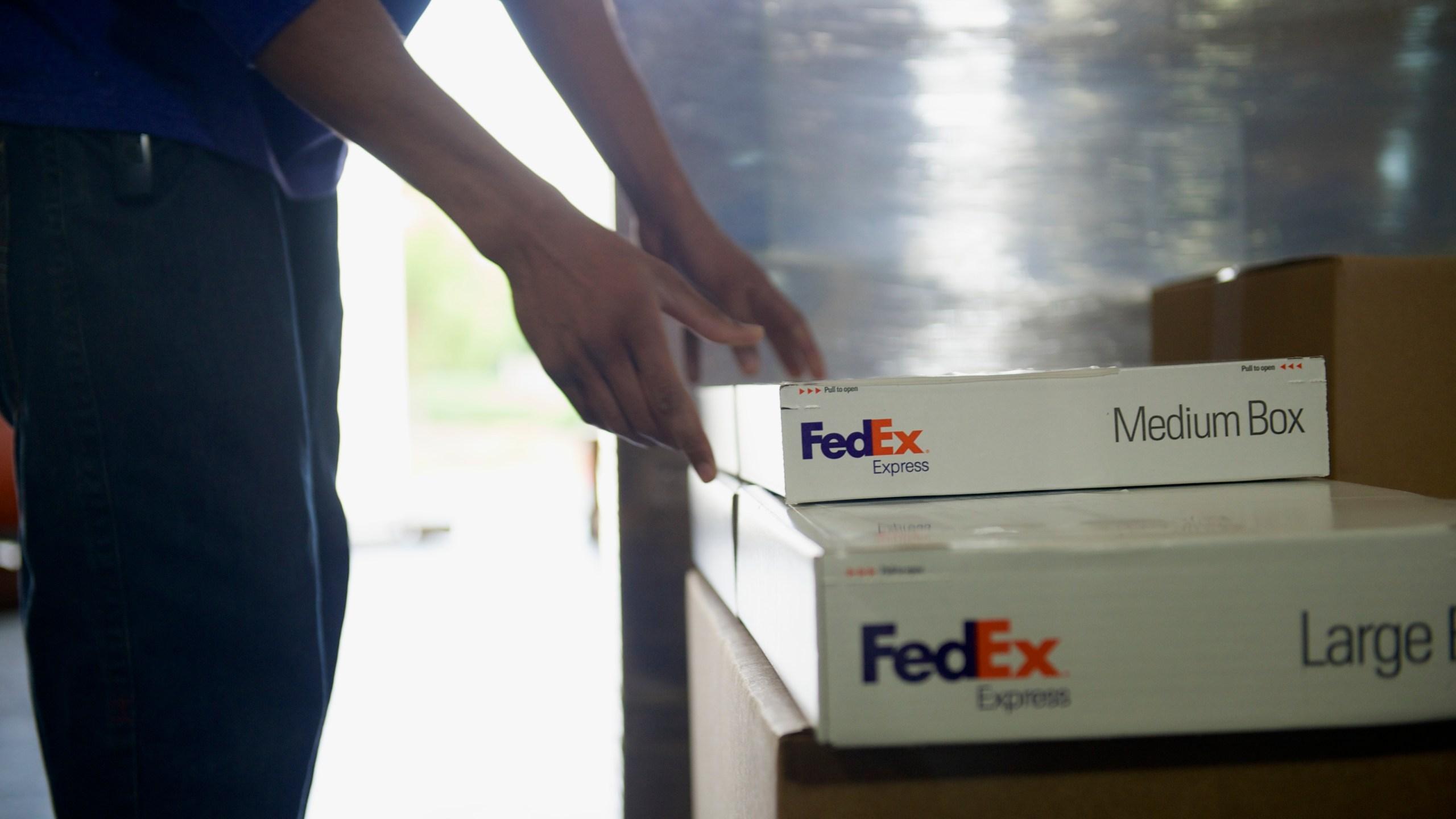 FedExBoxes.jpg