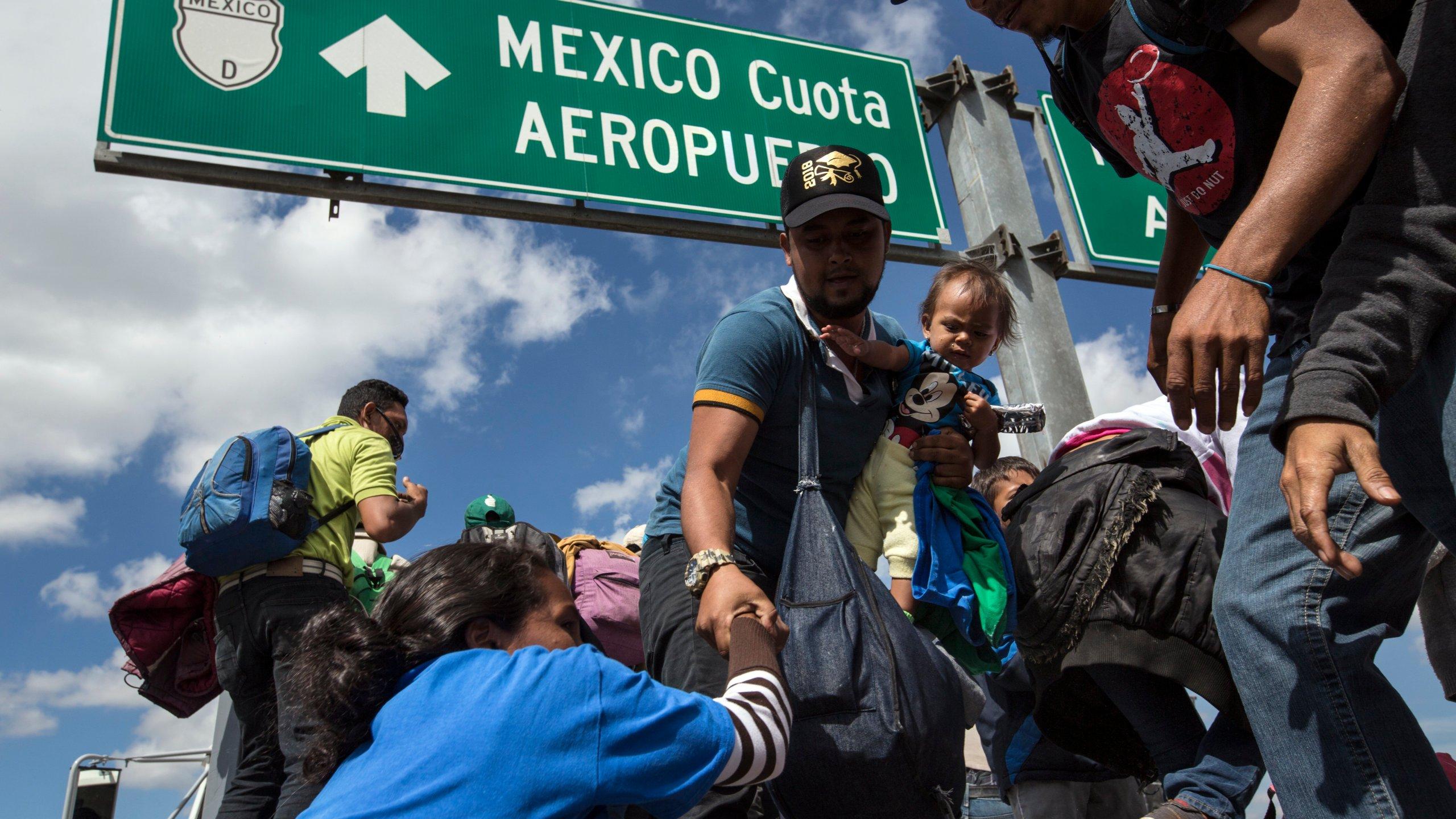 APTOPIX Central America Migrant Caravan_1541550119429