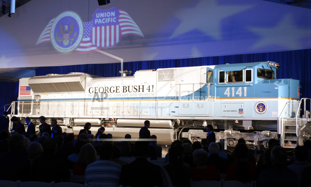 George HW Bush Funeral Train_1544077044049