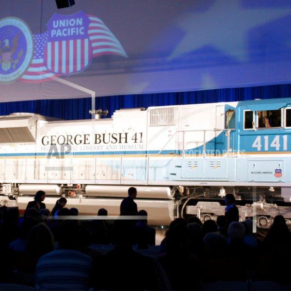 George HW Bush Funeral Train_1544077044049