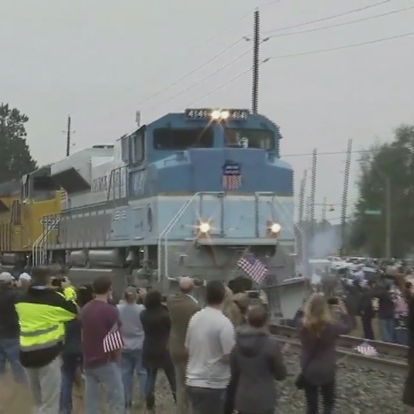 Bushes depart on first presidential funeral train since 1969