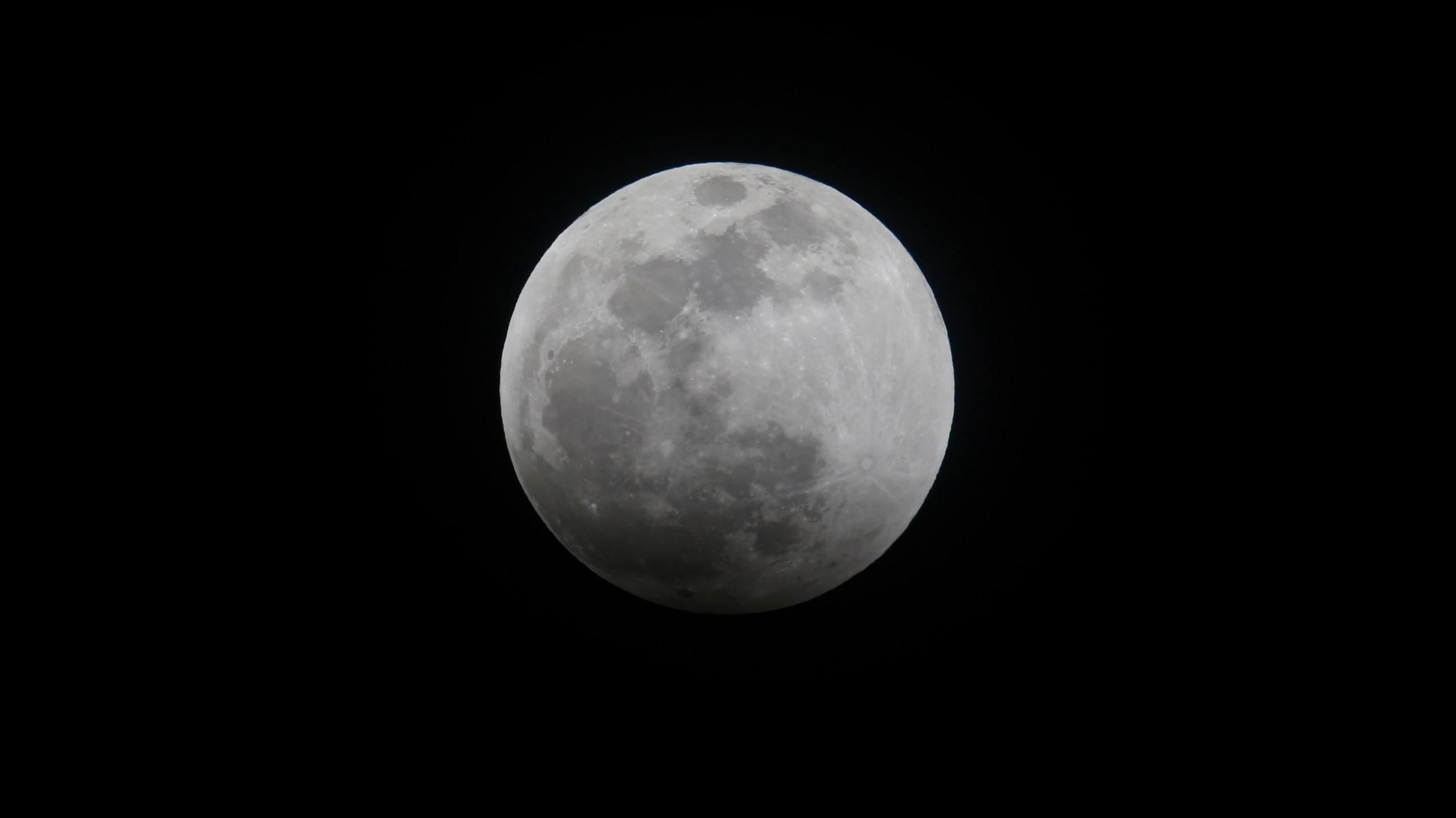 Lunar_Eclipse_Supermoon_09549-159532.jpg58331628