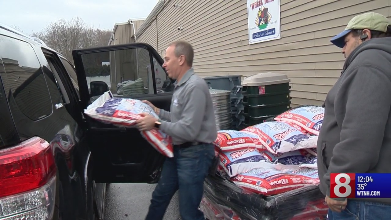 State and local road crews preparing for messy Sunday storm