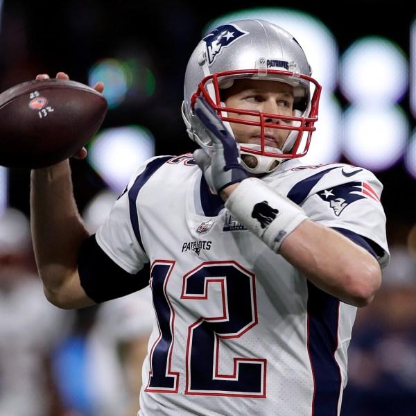 Patriots Rams Super Bowl Football_1549248357912