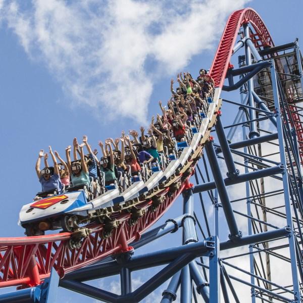 VR_Coaster_Train_at_Six_Flags_New_England_1550089805326.jpg