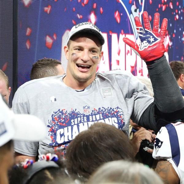 Patriots Rams Super Bowl Football_1553465306377
