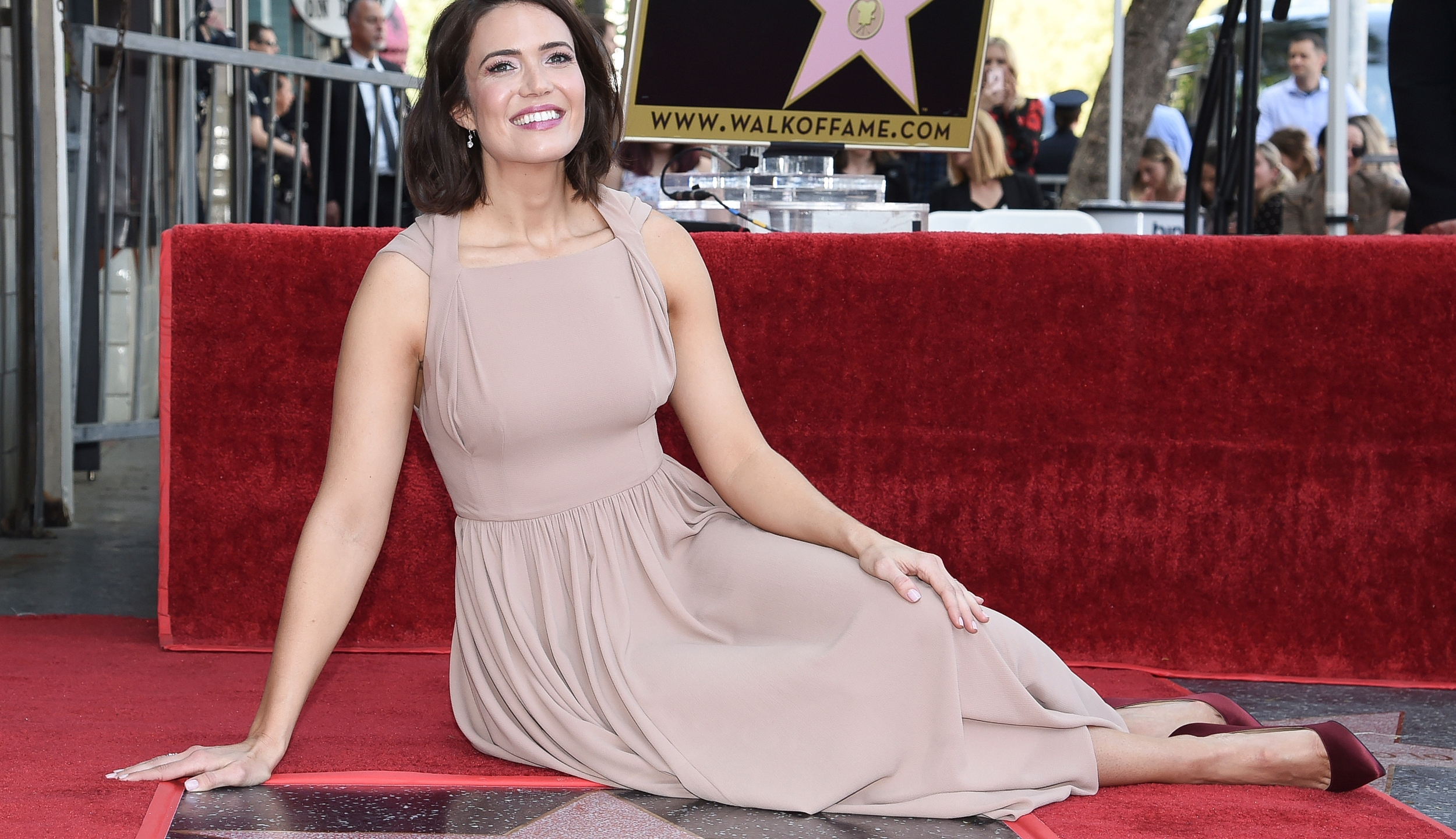 Mandy Moore Honored with a Star on the Hollywood Walk of Fame_1553586266714
