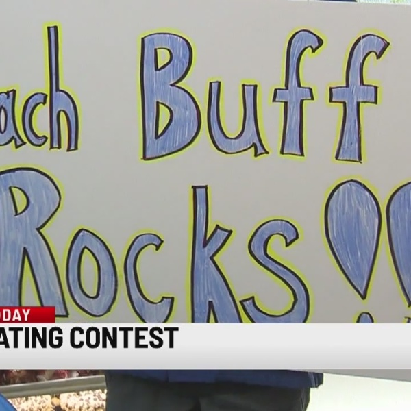 Ansonia bakery holds Packzi eating contest