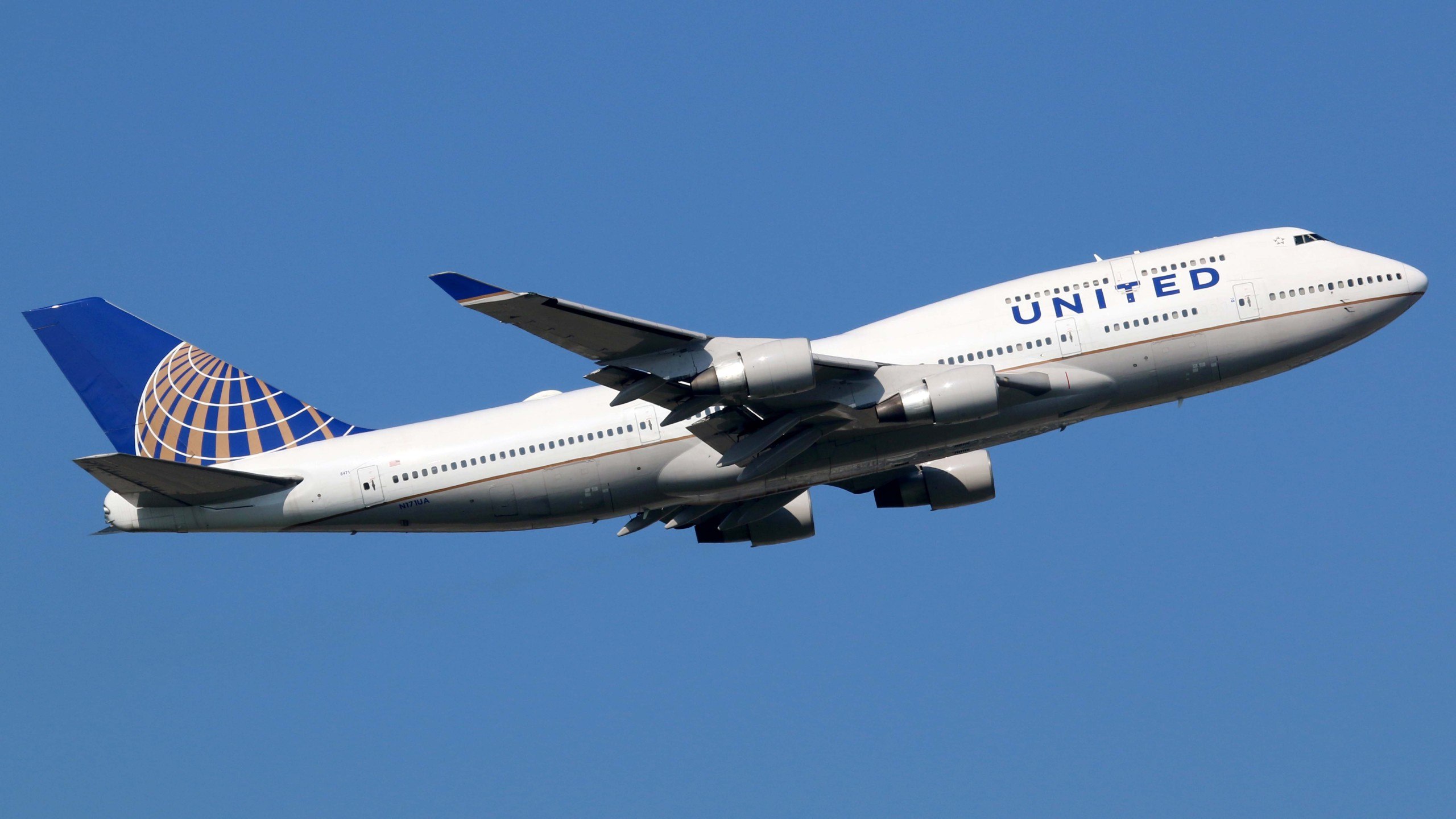 United Airlines Boeing 747-400 Airplane_1553262384034