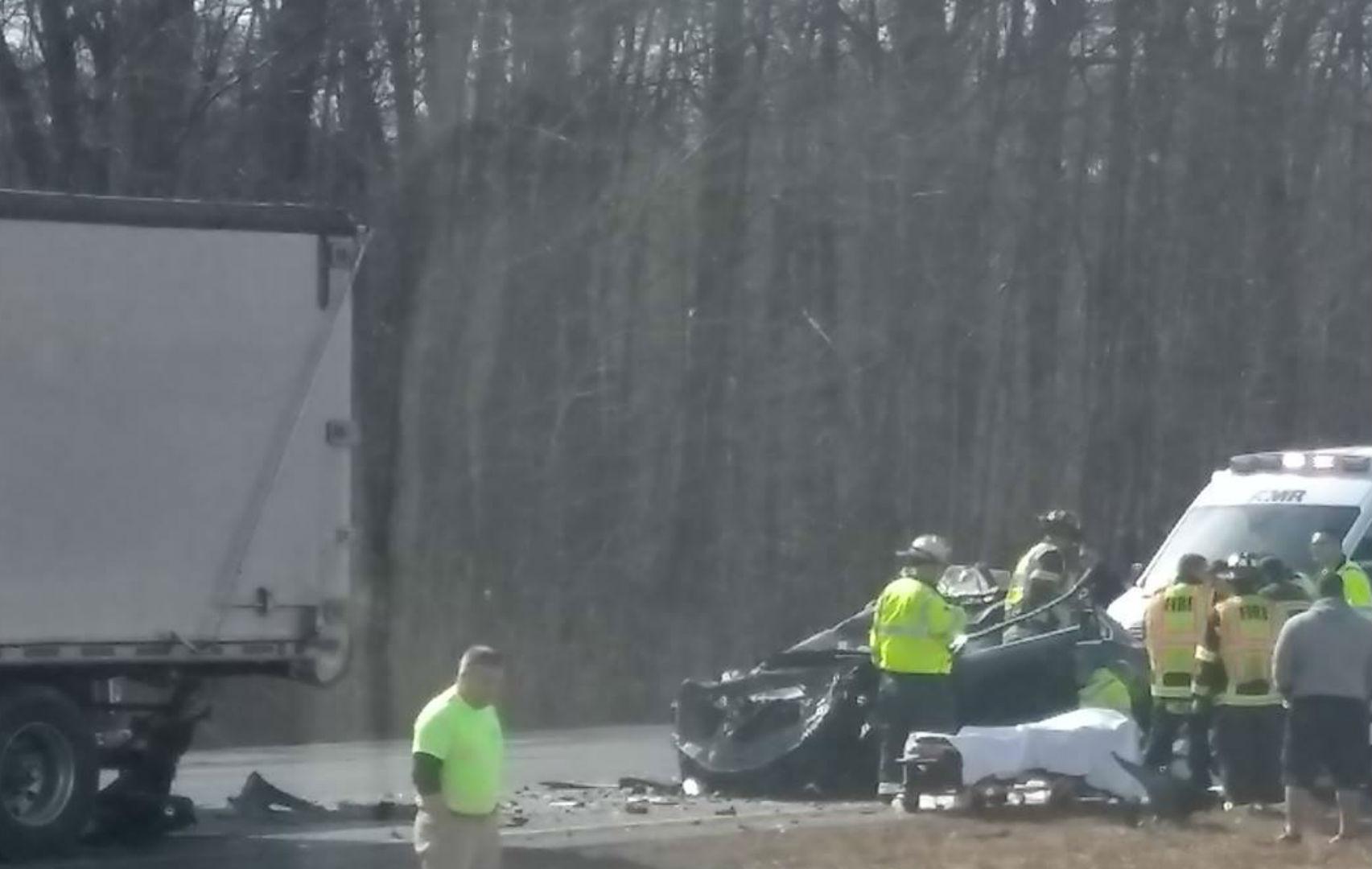 Officials identify victim of fatal crash on I-84 East in Farmington